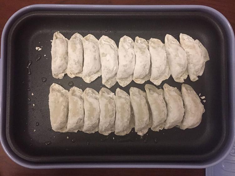 宮崎県のうまいもの「丸岡のぎょうざ」を実食!|「BRUNO」に並ぶ餃子