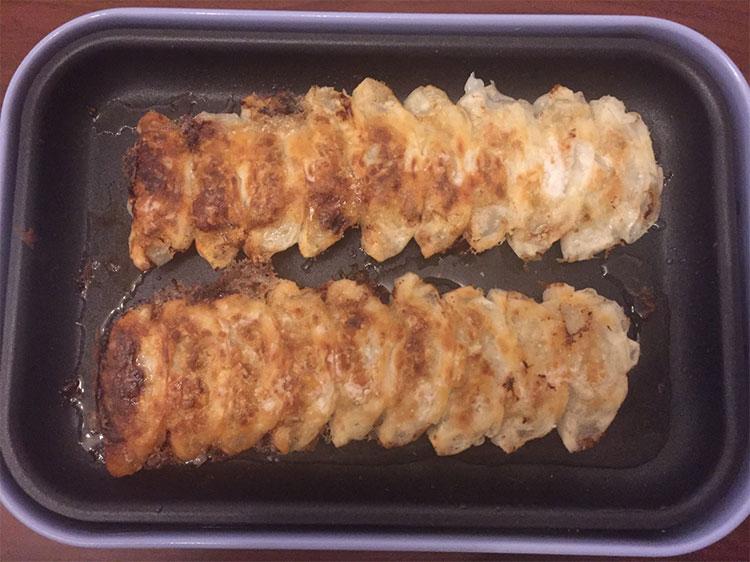 宮崎県のうまいもの「丸岡のぎょうざ」を実食!|焼き上がり